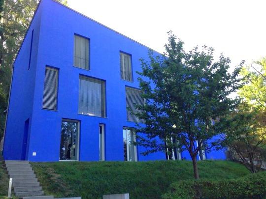 Design Villa mit Seeblick – Möblierte 3-Zimmer-Wohnung mit Terrasse