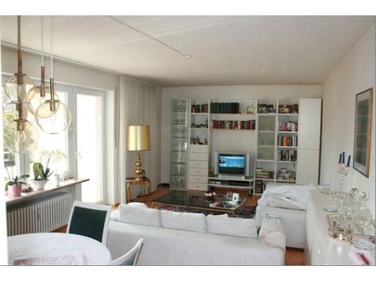 2 zi wohnung mit balkon als kapitalanlage. Black Bedroom Furniture Sets. Home Design Ideas